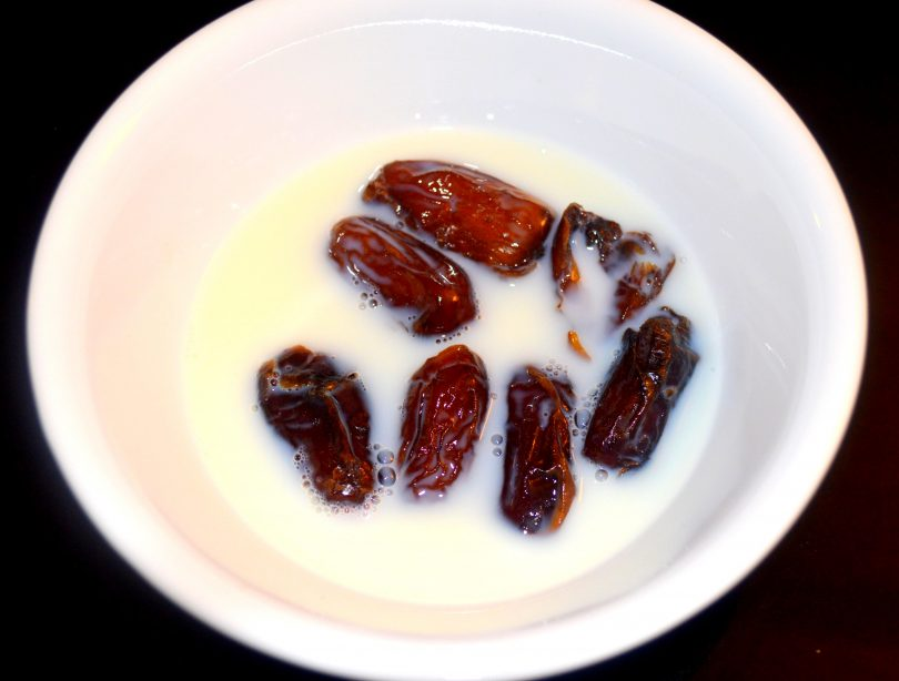 dates and milk for weight loss